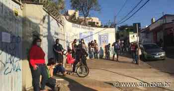 Justiça de 2ª instância mantém suspensa vacinação de estudantes em Betim - Estado de Minas