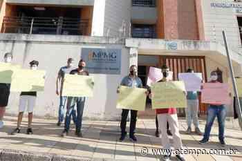 Protesto e frustração após Justiça proibir imunização de estudantes em Betim - O Tempo
