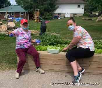 Sepoy Manor residents enjoy fresh veggies and a surprise concert - Kincardine News