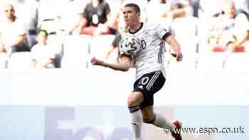 Transfer Talk: Barcelona to bid for Germany breakout star Gosens