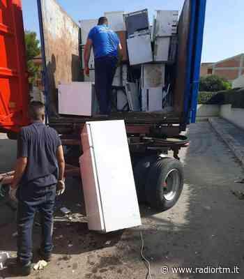 Rimosse 5 tonnellate di ingombranti a Santa Croce Camerina | Radio RTM Modica - Radio RTM Modica