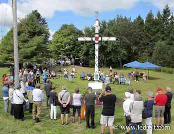 Les croix de chemin: Un patrimoine religieux et culturel de l'Ontario français - Le Droit - Groupe Capitales Médias
