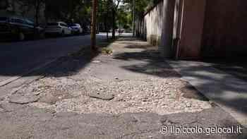 Marciapiedi trappola sulle strade laterali del nuovo corso Italia: a Gorizia scoppia la protesta - Il Piccolo
