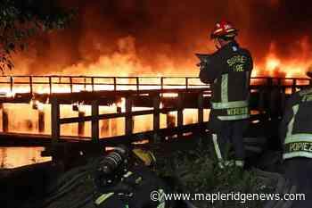 VIDEO: Fire engulfs pier on Surrey side of the Fraser River – Maple Ridge News - Maple Ridge News