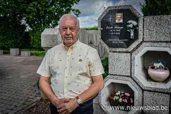 Huishoudster van erepastoor was de enige op het kerkhof zonder grafplaat, maar daar brachten deze vrijwilligers verandering in