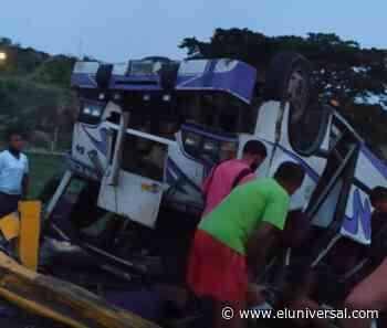 15 personas heridas al volcarse un autobús en la autopista Charallave-Caracas - El Universal (Venezuela)
