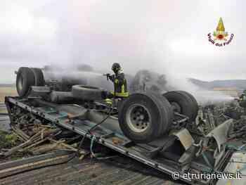 Civitavecchia - Camion si ribalta e prende fuoco, autista morto carbonizzato - Paolo Gianlorenzo