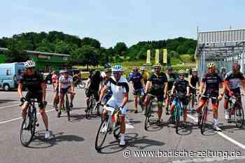 30 Rheinfelder Rennradfahrer trotzen der Hitze für den guten Zweck - Rheinfelden - Badische Zeitung