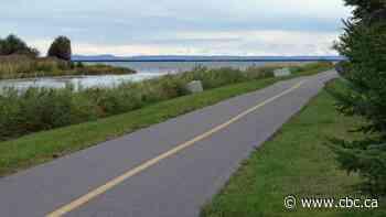 Thunder Bay waterfront trail adding kilometres together