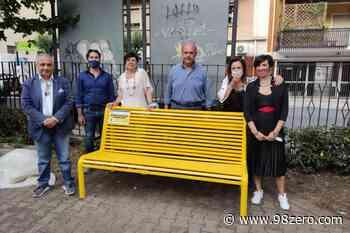 Una panchina gialla contro il bullismo è stata inaugurata a Milazzo - 98Zero.com