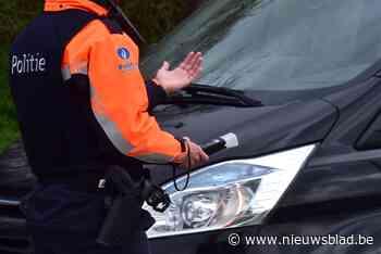 Man onder invloed rijdt in op politiecombi tijdens BOB-controle