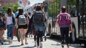 Schülerbeförderung in Oberspreewald-Lausitz: Streit um Kostenerstattung für Schülerbeförderung über Kreisgrenzen geht weiter - Lausitzer Rundschau