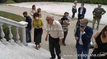 Vittorio Sgarbi a Carrara per visitare la mostra al Carmi sui maestri del '700 - La Voce Apuana