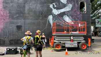 Legendary punk rocker Mr. Chi Pig honoured with Whyte Avenue mural