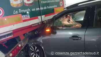 Auto contro tir, incidente in galleria vicino lo svincolo di Cosenza Sud - Gazzetta del Sud - Edizione Cosenza