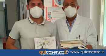 Cosenza, donati centinaia di libri al reparto di oncologia dell'ospedale - Quotidiano online