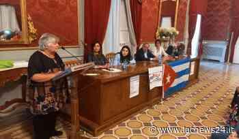 La figlia del Che a Cosenza: «Ecco come a Cuba abbiamo combattuto il Covid» - LaC news24