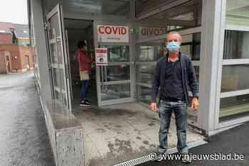 """Coronatestcentrum overspoeld met aanvragen van reizigers: """"In amper paar minuten binnen en buiten"""""""