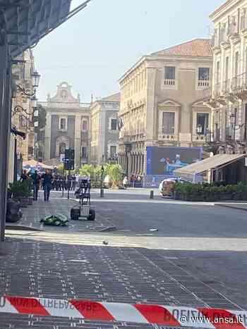 Allarme bomba per valigia trovata nel centro di Catania - Agenzia ANSA