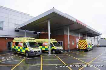 Hereford hospital warns A&E is 'extremely busy'