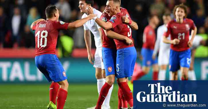Time for Gareth Southgate to remove England's shackles and attack