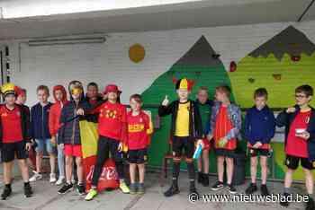 Duivelse schoolkinderen steunen Belgisch elftal