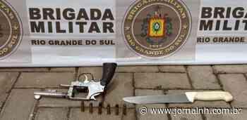 Homem é preso após ameaçar companheira com arma e faca em Sapucaia - Jornal NH