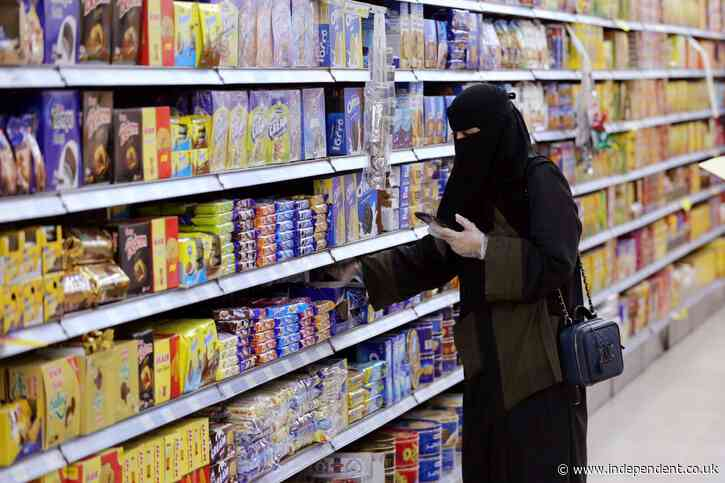 Saudi women allowed to live alone without permission from male guardian
