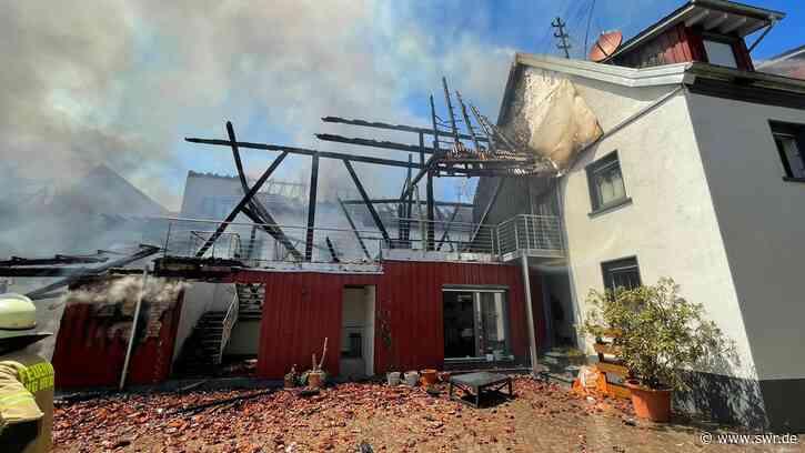 Polizei ermittelt Ursache von Großbrand in Herxheim-Hayna - SWR