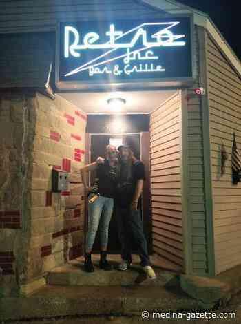 New bar brings 'retro paradise' to Wadsworth - The Gazette