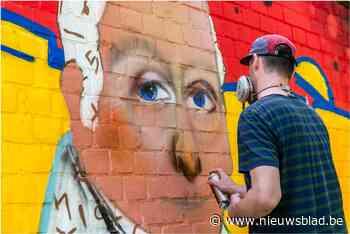 Hedendaagse kunst en geschiedenis van Bazel worden een: graaf pronkt op nieuw graffiti-werk