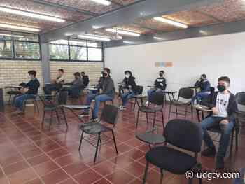 Realizan examen de admisión aspirantes al Centro Universitario de los Lagos - UDG TV - UDG TV