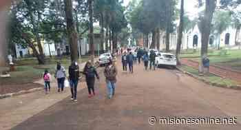 Presencia masiva de personas en el cementerio La Piedad de Posadas para rendir homenaje a los padres - MisionesOnline - Misiones OnLine