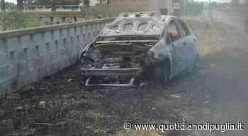 Gallipoli, auto rubata e data alle fiamme: scattano le indagini. Paura lungo la provinciale: vigili del fuoco in azione - quotidianodipuglia.it