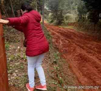 Caminos en pésimas condiciones en Coronel Oviedo - Nacionales - ABC Color