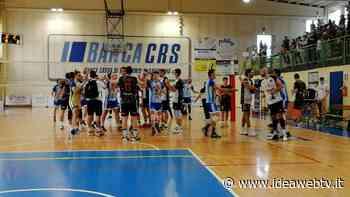 """Volley B/M- Savigliano-Trento 3-0, lo stupendo """"Pasillo de honor"""" della formazione trentina (VIDEO) - www.ideawebtv.it - Quotidiano on line della provincia di Cuneo - IdeaWebTv"""