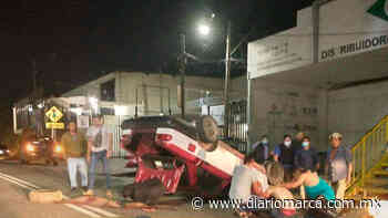 Vuelca taxi foráneo en Santa Rosa - Diario Marca de Oaxaca
