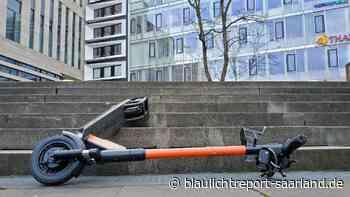 Ottweiler: E-Scooter-Fahrer kracht gegen PKW und flüchtet - Blaulichtreport-Saarland