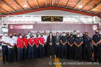 Entrega Karla Ruiz equipo de rescate acuático a bomberos - El Mexicano Gran Diario Regional