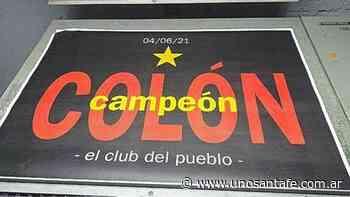 Empapelaron la ciudad con los afiches de Colón campeón - Uno Santa Fe