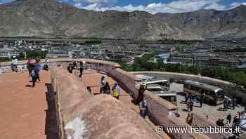 Tibet, dove il turismo di massa non è mai finito. E minaccia un ambiente fragile - la Repubblica