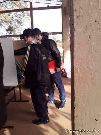 Incidentes en un local de votación en Félix Pérez Cardozo obligó a suspensión momentánea de sufragio - Nacionales - ABC Color