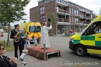 Pastoor wijdt weer auto's (Aalter) - Het Nieuwsblad