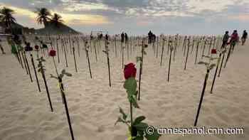 La playa de Copacabana se cubrió de rosas y esta es la razón - CNN
