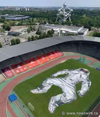 Enorme instalación artística en el estadio de fútbol de los Diablos Rojos de Bélgica
