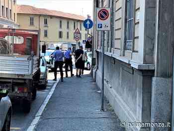 Carate Brianza, folle fuga: in auto 3130 sigarette di contrabbando - Prima Monza