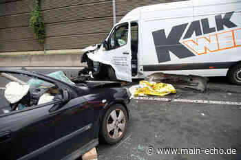 Zwei Verletzte und nach Unfall an A3-Anschlussstelle Aschaffenburg-Ost - Main-Echo
