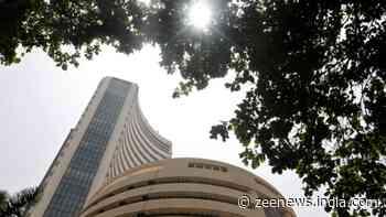 Sensex ends flat, retreats from 53,000 mark on profit-booking