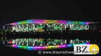 VfL Wolfsburg setzt Zeichen: Regenbogen-Farben am Stadion