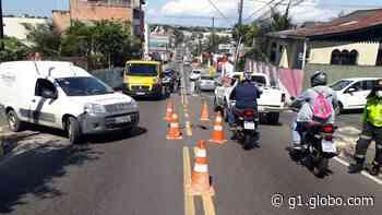 Rua do bairro São Francisco, em Manaus, é interditada após vazamento - G1